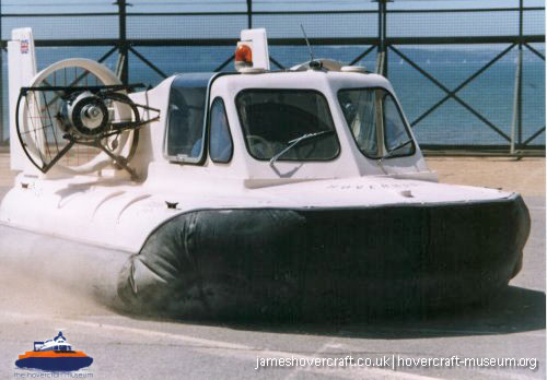 Hoverhawk HA5 in operation -   (The <a href='http://www.hovercraft-museum.org/' target='_blank'>Hovercraft Museum Trust</a>).