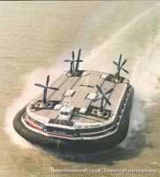 SRN4 The Princess Anne (GH-2007) with Seaspeed at Dover -   (The <a href='http://www.hovercraft-museum.org/' target='_blank'>Hovercraft Museum Trust</a>).