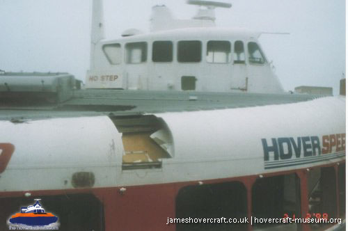 SRN4 Sir Christopher (GH-2008) being broken up at Dover -   (The <a href='http://www.hovercraft-museum.org/' target='_blank'>Hovercraft Museum Trust</a>).