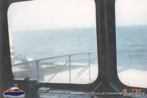SRN4 crossing the channel -   (The <a href='http://www.hovercraft-museum.org/' target='_blank'>Hovercraft Museum Trust</a>).