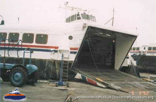 SRN4 maintenance with Hoverspeed -   (The <a href='http://www.hovercraft-museum.org/' target='_blank'>Hovercraft Museum Trust</a>).