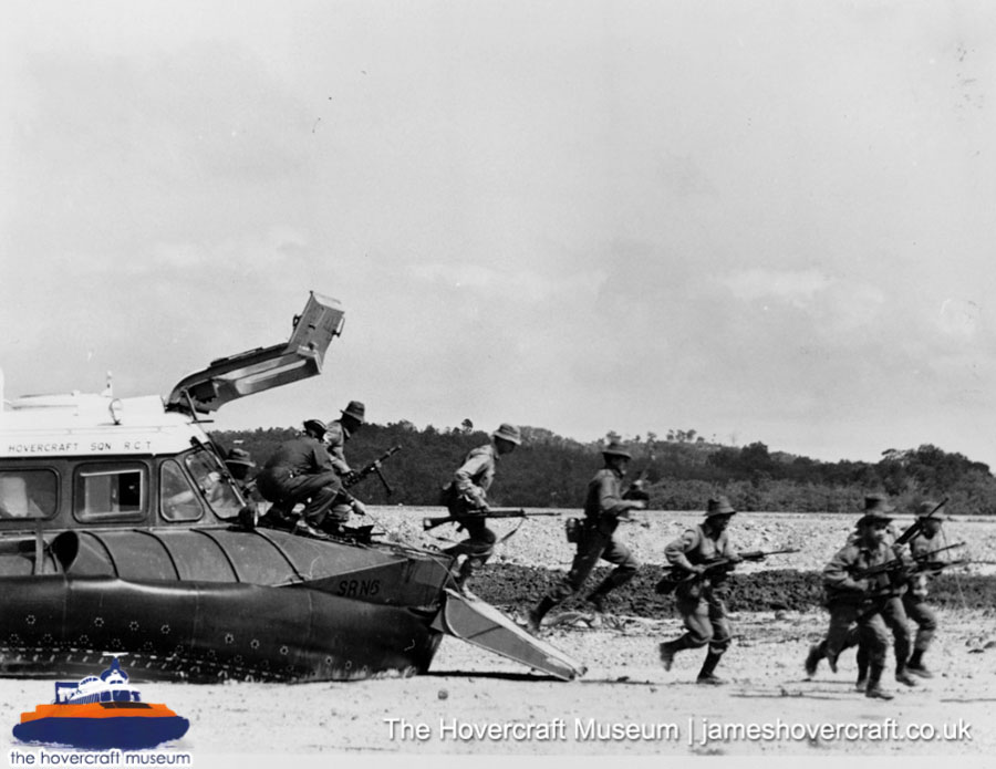 SRN5 with the Royal Navy -   (The <a href='http://www.hovercraft-museum.org/' target='_blank'>Hovercraft Museum Trust</a>).