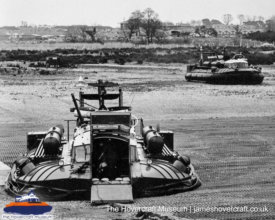 SRN6 with the British Army -   (The Hovercraft Museum Trust).