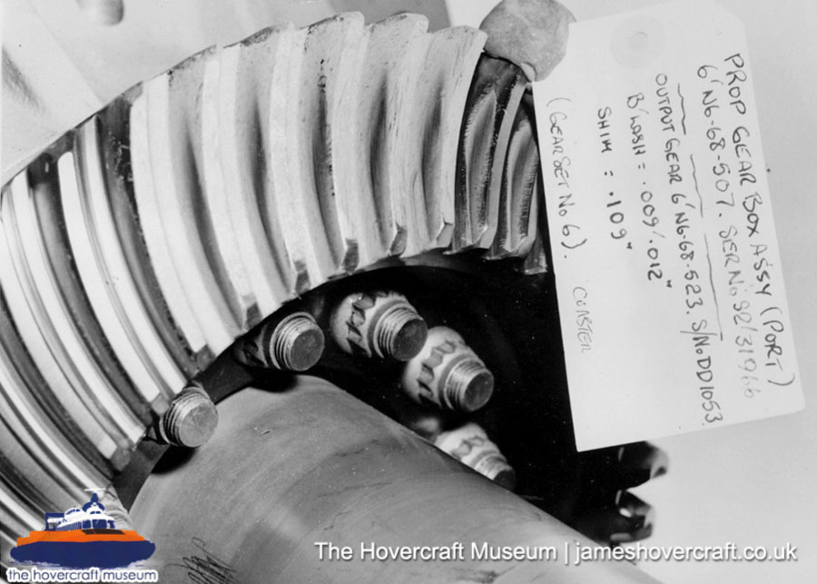 SRN6 close-up details - Driveshaft and gear (The Hovercraft Museum Trust).