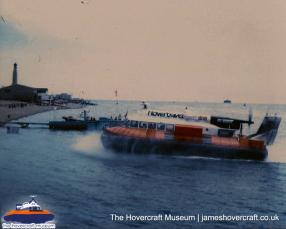 SRN6 with Hovertravel -   (The <a href='http://www.hovercraft-museum.org/' target='_blank'>Hovercraft Museum Trust</a>).