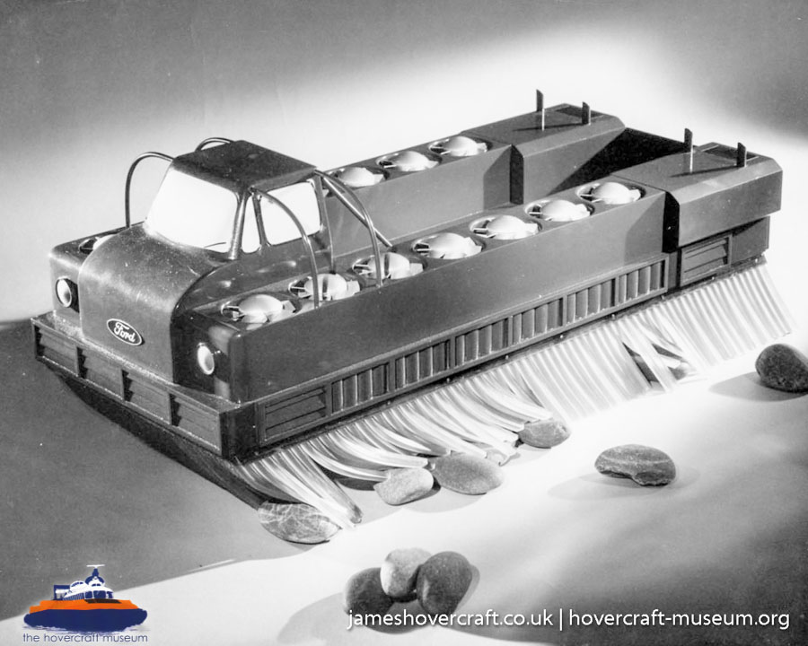 Ford hovercraft for agriculture -   (The <a href='http://www.hovercraft-museum.org/' target='_blank'>Hovercraft Museum Trust</a>).
