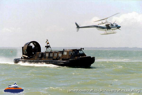 Hovershow 2004 -   (The <a href='http://www.hovercraft-museum.org/' target='_blank'>Hovercraft Museum Trust</a>).