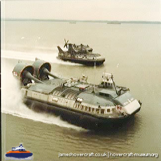 Military Hovercraft with the Royal Navy -   (The <a href='http://www.hovercraft-museum.org/' target='_blank'>Hovercraft Museum Trust</a>).