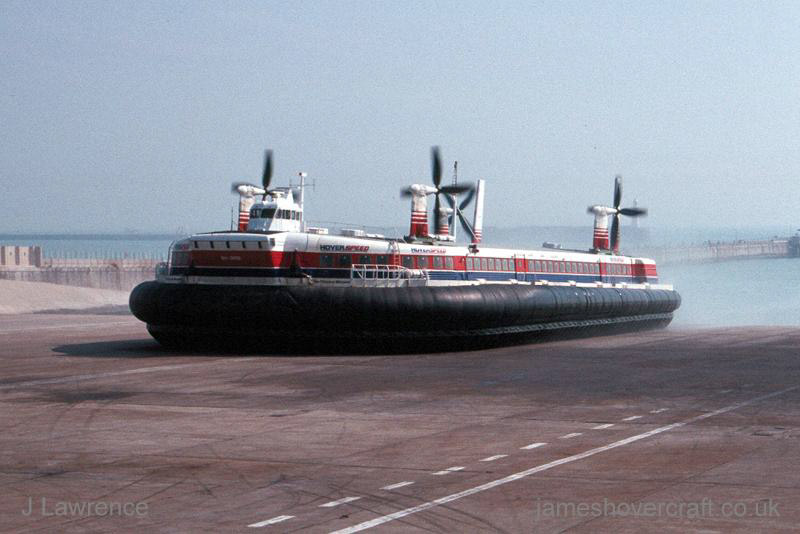 The SRN4 with Hoverspeed in Dover - Mk III The Princess Margaret (GH-2006) arriving (Pat Lawrence).