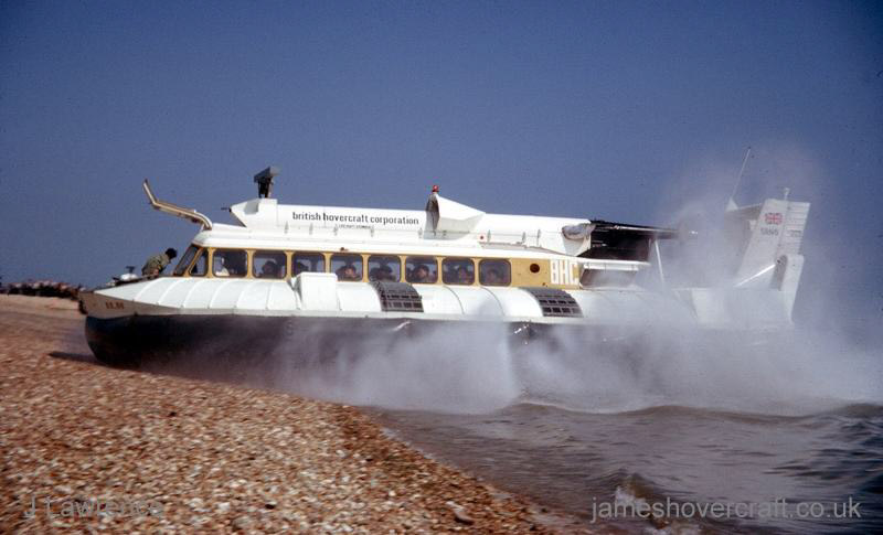 The SRN6 with the Inter-Service Hovercraft Trials Unit, IHTU - Transition from water to land (Pat Lawrence).
