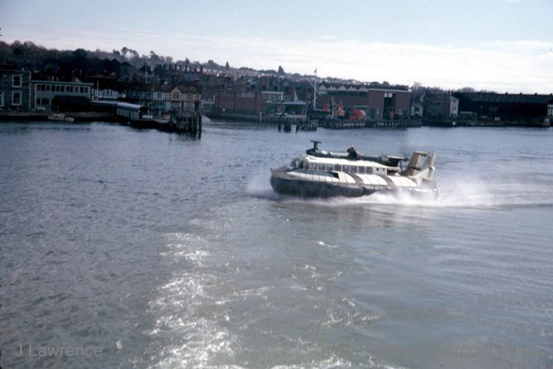 The SRN6 with Seaspeed - Cowes (Pat Lawrence).