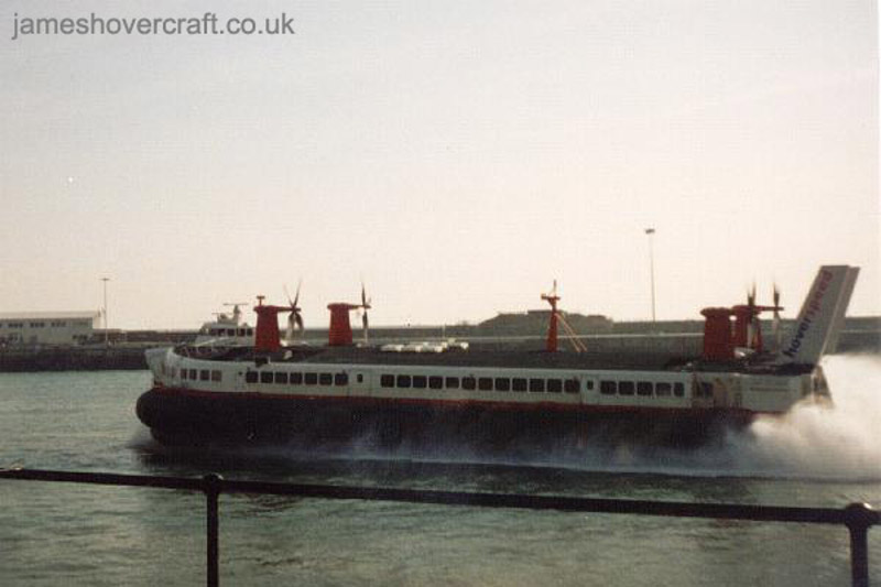 The last days of the SRN4 cross-channel service with Hoverspeed - The Princess Margaret (GH-2007) departing Dover (Thomas Loomes).