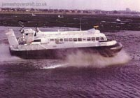 The SRN6 - The SRN6-Twin Prop on trials (Michael Gardner)