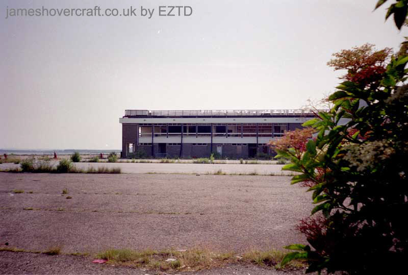 Ramsgate hoverport site, derelict - From the rear carparks, the hoverport terminal building and pad (EZTD).